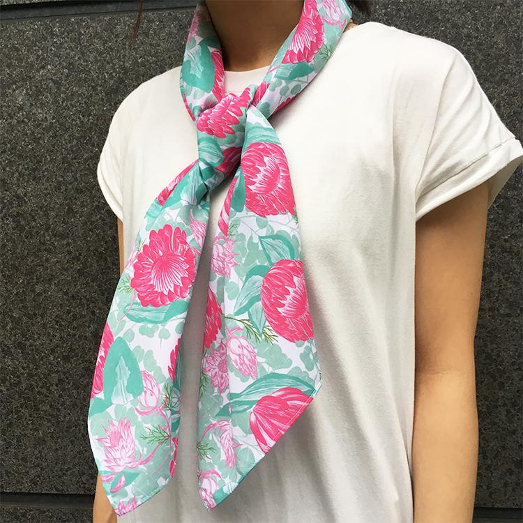 プロテアとセルリアとユーカリのスカーフ【Pavish Pattern】